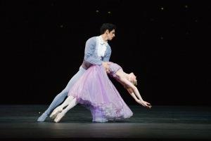3.Federico Bonelli and Sarah Lamb in In the Night. Photo Tristram Kenton, courtesy ROH