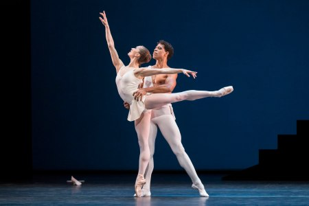 Nuñez and Acosta in Apollo, all images ROH/ Johan Persson